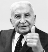 Mises-thumbs-up